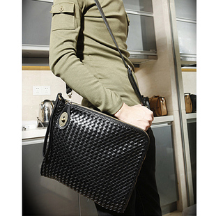 เสื้อผ้าผู้ชายผู้หญิงราคาถูก กระเป๋าแฟชั่น กระเป๋าสพาย มี สีดำ