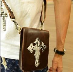 เสื้อผ้าผู้ชายผู้หญิงราคาถูก กระเป๋าแฟชั่น กระเป๋าสพาย มี สีดำ สีกากี สีน้ำตาล