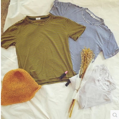 BLOUSES  เสื้อยืดแฟชั่น เสื้อผ้าสำหรับผู้หญิงแนววินเทจ basic  striped pinstripe  t-shirt  fashion  korea  style