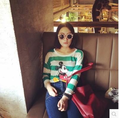 T-SHIRT/BLOUSES  เสื้อแขนยาวแฟชั่น เสื้อผ้าสำหรับผู้หญิง Mickey Mickey  and  striped  blouse  and  t-shirt