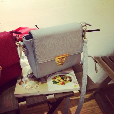 HANDBAG/BAGS กระเป๋าสะพายไหล่หนังแฟชั่น กระเป๋า small  gold  buckle   bag  แฟชั่นสำหรับผู้หญิง
