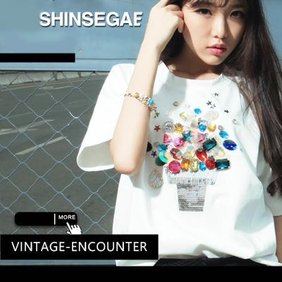 T-SHIRT  SHINSEGAE เสื้อยืดแขนสั้นผู้เหญิง เสื้อผ้าแฟชั่นผู้หญิง แฟชั่นเกาหลี ญี่ปุ่น สไตล์ Kawai อาราจูกุ สินค้าแบรนด์แท้จาก shop counter แฟชั่น 2NE1 Jeon Ji Hyun , You Who Came From the Stars