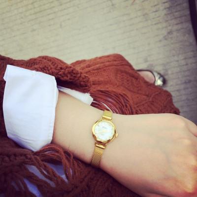 WATCH  นาฬิกาข้อมือแฟชั่น นาฬิการุ่นคลาสสิก สินค้าแฟชั่นสำหรับผู้หญิง สไตล์เกาหลี สไตล์ฮาราจูกุแฟชั่น