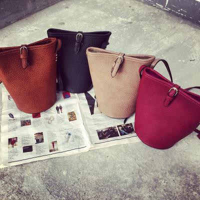 HANDBAG  กระเป๋าสะพายไหล่ผู้หญิง กระเป๋าหนังผู้หญิงแฟชั่น กระเป๋าเครื่องสำอางผู้หญิงแฟชั่น กระเป๋ารุ่นคลาสสิกสไตล์วินเทจ แฟชั่นเกาหลี ญี่ปุ่น