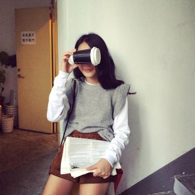 SWEATER / KNITWEAR  เสื้อกั๊กผู้หญิงแฟชั่น เสื้อถักผู้หญิงแฟชั่น เสื้อสเวตเตอร์แขนกุดแฟชั่น เสื้อผ้าผู้หญิงสไตล์วินเทจ แฟชั่นเกาหลี ญี่ปุ่น