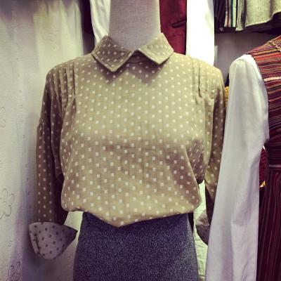 BLOUSE/SHIRT  DOTS  FASHION เสื้อเชิ้ตผู้หญิงแฟชั่น เสื้อลำลองแฟชั่น เสื้อแขนยาวตัวสั้นผู้หญิงสไตล์วินเทจ เสื้อแขนยาวผู้หญิงแฟชั่น เสื้อตัวสั้นแฟชั่นสไตล์เกาหลี ญี่ปุ่น ฮาราจูกุ