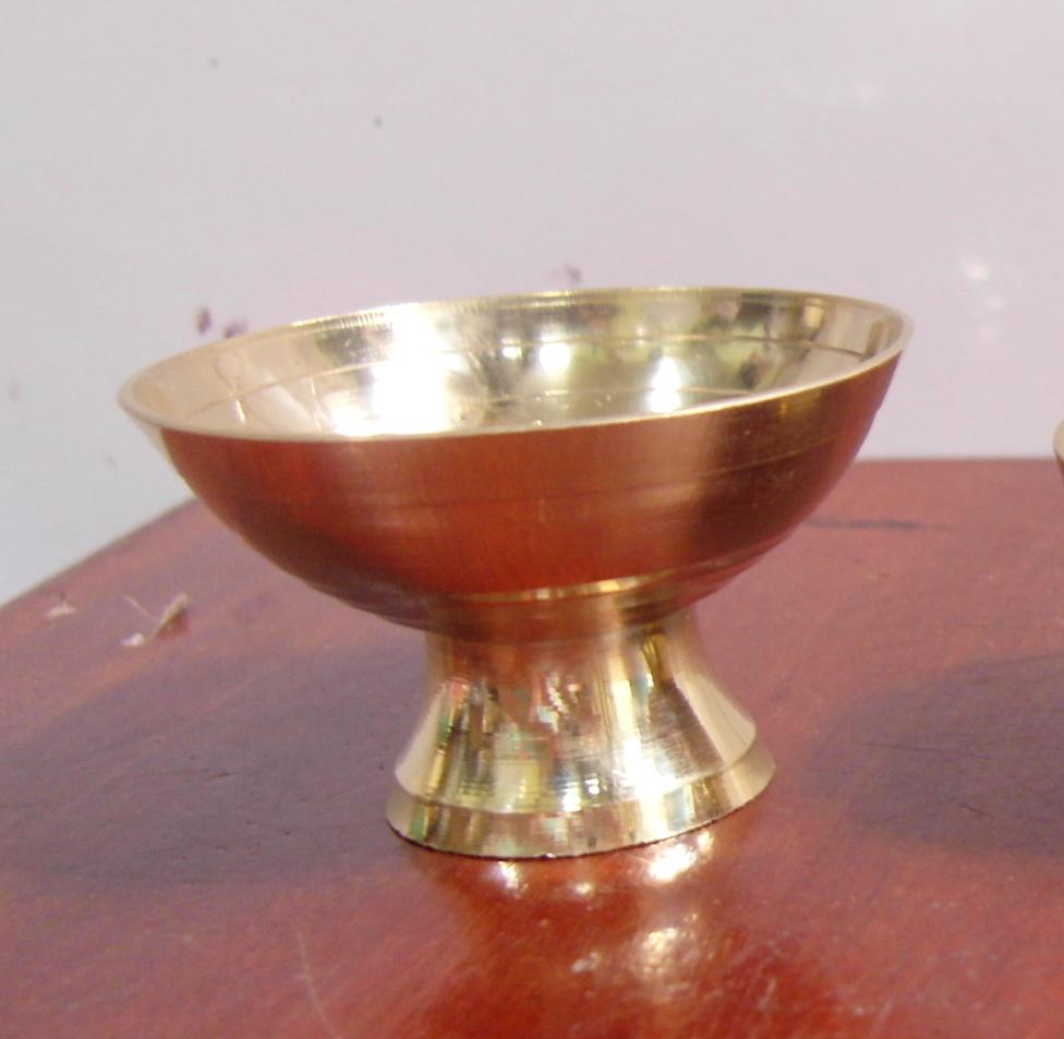 J054 ที่ปักเทียน ทองเหลือง กว้าง 2.2 นิ้ว