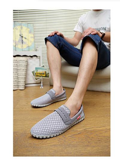 รองเท้า รองเท้าผ้าใบ   รองเท้าผ้าใบชาย รองเท้าผ้าใบผู้ชาย รองเท้าผ้าใบแฟชั่น รองเท้าผ้าใบเกาหลี รองเท้าผ้าใบแฟชั่น รองเท้าแฟชั่นผู้ชาย  รองเท้าผ้าใบราคาถูก  สีน้ำเงิน เทา ดำ