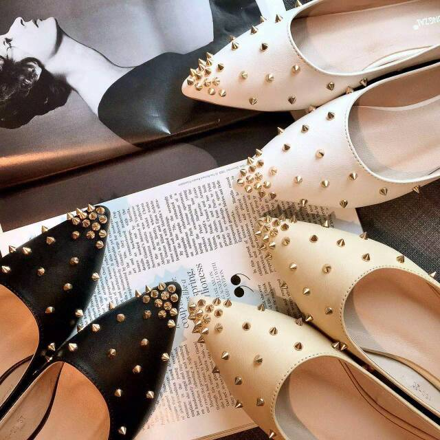 Pre-order flat shoes