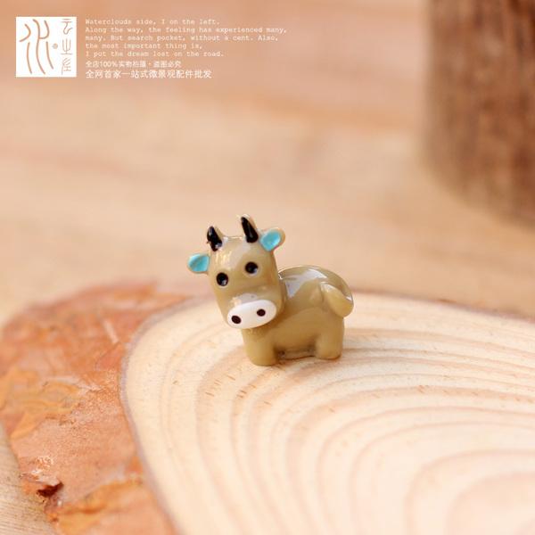 พร้อมส่ง>> DIYตุ๊กตาวัวน้อยน่ารัก ตุ๊กตาวัวเรซิ่นตกแต่งสวนจิ๋ว