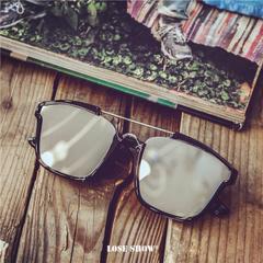 แว่นกันแดด ราคาถูก แว่นตากันแดด มี สีบลูสกาย สีเงินสะท้อนแสง สีหินอ่อนขาว สีม่วง สีแดง สีดำ