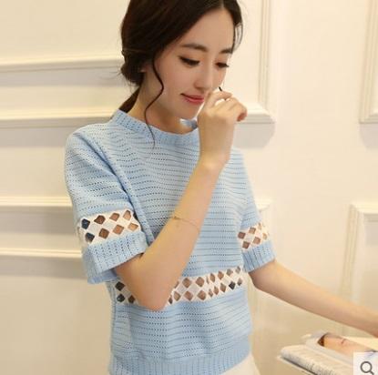 เสื้อยืด คอกลม Retro สี: ขาว/ฟ้า ไซส์: S/M/L/XL