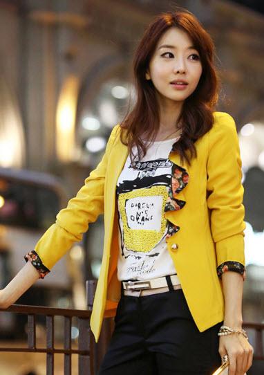 พรีออเดอร์ เสื้อสูท แขนยาว แต่งระบายลายดอกไม้ มีสี เหลือง ดำ ชมพู ฟ้า
