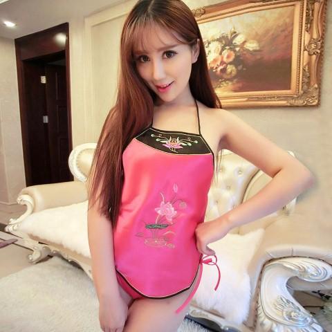 ++พร้อมส่ง++เอี๊ยมจีนสีชมพูปักลายสวยงาม กี่เพ้า ชุดชั้นในจีนโบราณ ขนาดฟรีไซต์