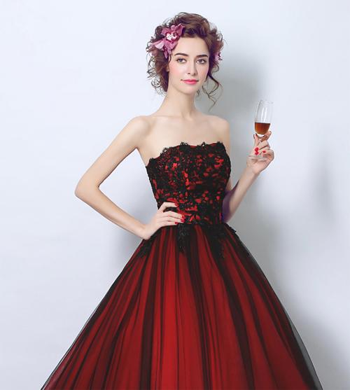 เสื้อผ้าผู้หญิง ชุดราตรียาวเกาะอก ยาวระบาย สีไวน์แดงตามรูป