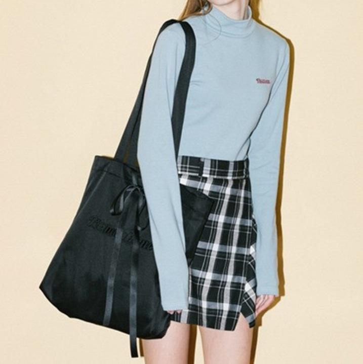กระเป๋าผ้า งานปัก แต่งริบบิ้น สีดำ/ชมพู