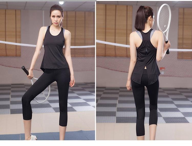 **พร้อมส่ง size L สีดำ ชุดออกกำลังกาย/โยคะ/ฟิตเนส เสื้อกล้าม+กางเกงขาห้าส่วน
