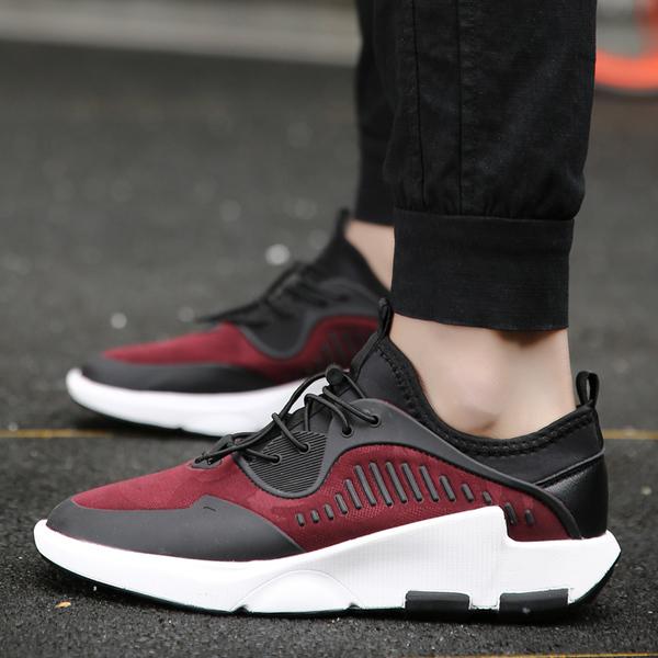 รองเท้าผู้ชาย ผู้หญิง ราคาถูก รองเท้าแฟชั่น รองเท้าผ้าใบเท่ๆ มี สีดำ สีแดง มี เบอร์ 39-44