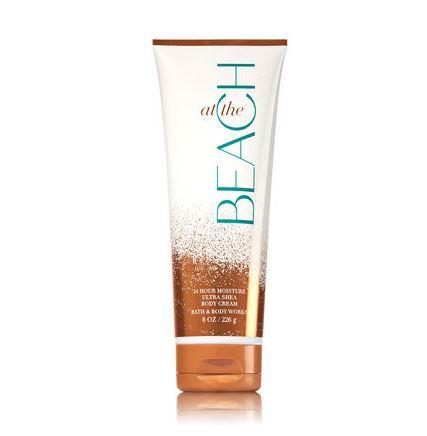 **พร้อมส่ง**Bath & Body Works At The Beach 24 Hour Moisture Ultra Shea Body Cream 226g. ครีมบำรุงผิวสุดเข้มข้น มีกลิ่นหอมติดทนนาน ด้วยกลิ่นหอมสดชื่นกลิ่นไอทะเลเย็นๆ และกลิ่มหอมนุ่มของมะพร้าว ให้ความรู้สึกสดชื่นกระปรี้กระเปร่า