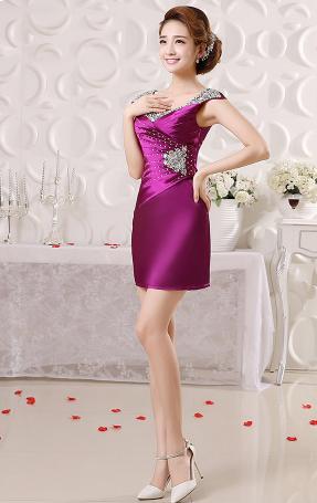 เสื้อผ้าแฟชั่นผู้หญิง ชุดราตรีสั้น สีม่วงตามรูป