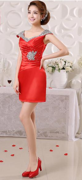 เสื้อผ้าแฟชั่นผู้หญิง ชุดราตรีสั้น สีแดงตามรูป