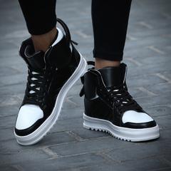 รองเท้าผู้ชาย ราคาถูก รองเท้าแฟชั่น รองเท้าผ้าใบ มี สีดำ สีดำแดง สีดำขาว มี ไซร์ 39-45