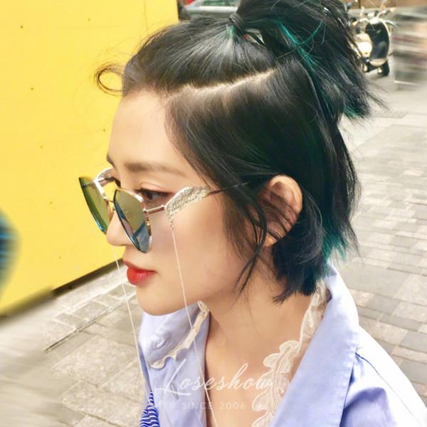 แว่นตากันแดด ราคาถูก แว่นกันแดด สีฟ้าใส สีเหลือง สีชมพูใส สีขาวใส สีเงินสะท้อนแสง สีดำ สีฟ้า-มือเล็ก สีเหลือง-มือเล็ก สีขาว-มือเล็ก สีชมพู-มือเล็ก สีฟ้า-ปีก สีเหลือง-ปีก สีทอง-ปีก