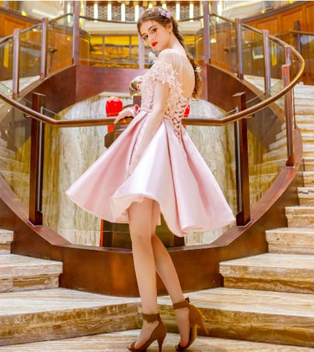 เสื้อผ้าผู้หญิง ชุดราตรีสั้น สีชมพูตามรูป