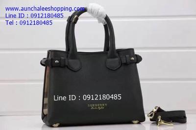Burberry leather bag Hiend size 33 cm หนังแท้คุณภาพดีน่าใช้ งานสวยเหมือนแท้