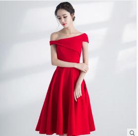 เสื้อผ้าผู้หญิง แนวชุดออกงาน ชุดราตรีสั้นสีแดงตามรูป