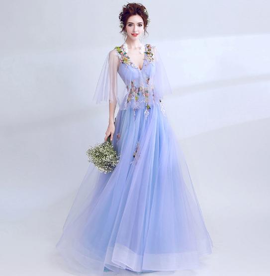 เสื้อผ้าผู้หญิง ชุดราตรีสีน้ำเงินตามรูป