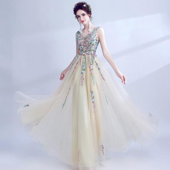 เสื้อผ้าผู้หญิง ชุดราตรีสีตามรูป