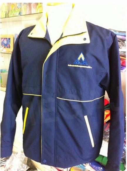 ตย.งานสั่งตัดเสื้อแจ็คเก็ตพร้อมปักโลโก้ โทร 093-632-6441