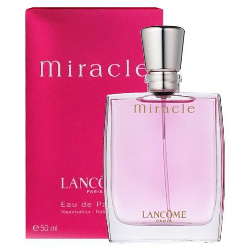 Lancome Miracle Eau de Parfum 50ml. กลิ่นขายดี หอมมากๆ น้ำหอมสีชมพูแนวกลิ่นฟลอรัล แสนหวานที่จัดอยู่ในกลุ่มที่ได้รับความนิยมมาต่อเนื่องยาวนาน เป็นน้ำหอมกลิ่นอมตะที่หญิงสาวทั่วโลกใช้กันมาหลายยุคสมัย เพราะด้วยความหอมที่ลงตัวพอดิบพอดี ไม่จางและไม่