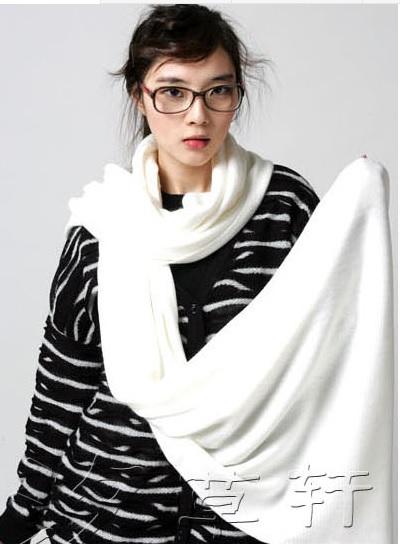 (พร้อมส่งสีขาว) ผ้าพันคอไหมพรม ผ้าพันคอกันหนาว ผ้าคลุมกันหนาว