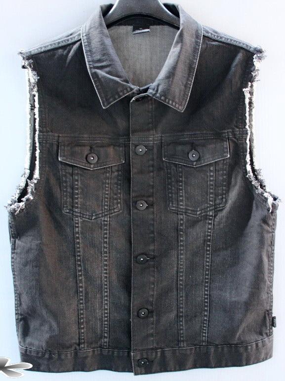 รอบอก 40  RICERS jeans เสื้อผ้าผู้ชาย ยีนส์ เสื้อกั๊กยีนส์ สีดำ