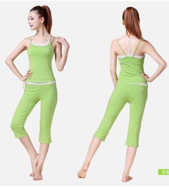 **2ชิ้น   สีเขียว size M ชุดโยคะ/ชุดออกกำลังกาย  เสื้อกล้าม+กางเกง 4 ส่วน