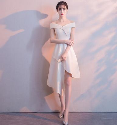 เสื้อผ้าผู้หญิงชุดออกงาน ชุดราตรีสั้น สีขาวตามรูป
