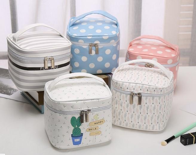 Cosmetic bag กระเป๋าใส่เครื่องสำอางค์ กระเป๋าผ้าส่งเสริมการขาย + โลโก้ สินค้าพรีเมี่ยม