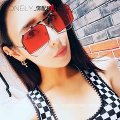 แว่นกันแดด ราคาถูก แว่นตากันแดด มี สีแดง สีเหลือง สีเทาดำ สีเงิน สีบารบี้ สีทอง