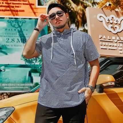 ขนาด:XL 2XL 3XL 4XL 5XL 6XL สี:ตามภาพ เสื้อคนอ้วน เสื้อผ้าผู้ชาย ขนาดใหญ่ เสื้อยืด แขนสั้นมีฮู้ด