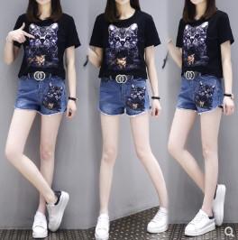 เสื้อคอกลม แขนสั้น + กางเกงขาสั้น ผ้ายีนส์ มี2สี ขาว/ดำ มีไซส์ XL/2XL/3XL/4XL/5XL