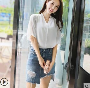 เสื้อคอวี แขนสามส่วน มีสี ขาว มีไซส์ S/M/L/XL/2XL