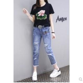 เสื้อคอกลม แขนสั้น ปักลาย + กางเกงขายาว ผ้ายีนส์ มีสี ดำ มีไซส์ L/XL/2XL/3XL/4XL/5XL