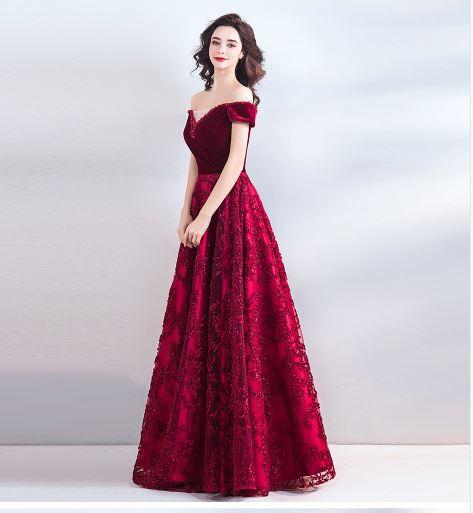 เสื้อผ้าผู้หญิง ชุดออกงาน ชุดราตรี ชุดราตรียาว เปิดไหล่สีไวน์แดงตามรูป