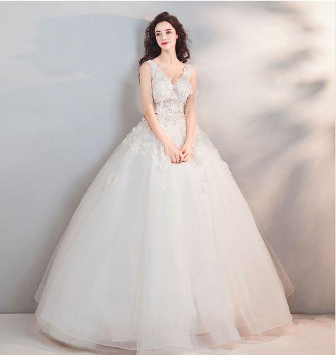 เสื้อผ้าแฟชั่น เสื้อผ้าผู้หญิง ชุดแต่งงานสีขาวคอวีตามรูป