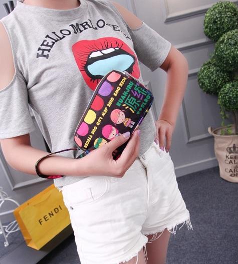 (พร้อมส่งสีดำลายเด็ก) กระเป๋าถือ กระเป๋าสตางค์ กระเป๋าเครื่องสำอางค์ กระเป๋าซิปลายน่ารัก