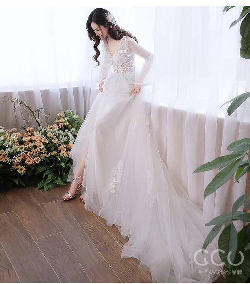 เสื้อผ้าแฟชั่น เสื้อผ้าผู้หญิง ชุดออกงาน ชุดแต่งงานตามรูป