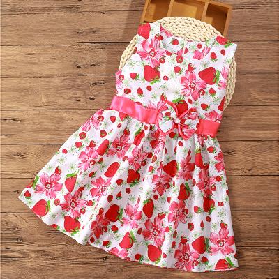 (พร้อมส่งสีขาวลายสตอเบอรี่สีแดง) ชุดเดรสแขนกุดเด็ก ชุดเดรสลายดอกไม้ ชุดเดรสเด็กแฟชั่น