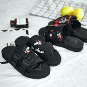 รองเท้าผู้ชาย ผู้หญิง ราคาถูก รองเท้าแตะ รองเท้าแฟชั่น รองเท้าแตะ เกาหลี มี สีดำ สีแดง  มี ไซร์ 39-44